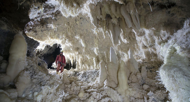 Cave Hunters